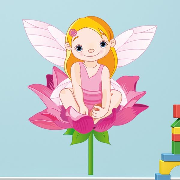 Kinderzimmer Wandtattoo: Kleine Fee auf einer Blume