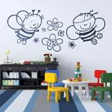 Kinderzimmer Wandtattoo: Biene mit Blumen 2