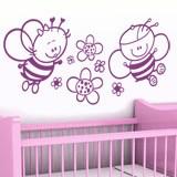 Kinderzimmer Wandtattoo: Biene mit Blumen 4