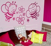 Kinderzimmer Wandtattoo: Biene mit Blumen 5