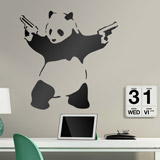 Wandtattoos: Banksy Panda bewaffnet 1