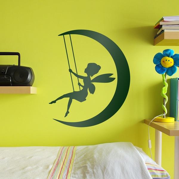 Wandtattoo Kinder Tinkerbell Schwingt Auf Dem Mond Webwandtattoo Com