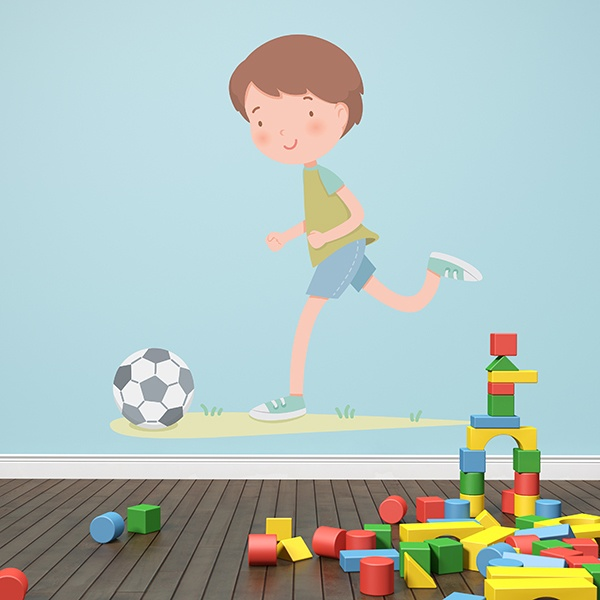Wandtattoo kinder Junge, der Fußball spielt | WebWandtattoo.com