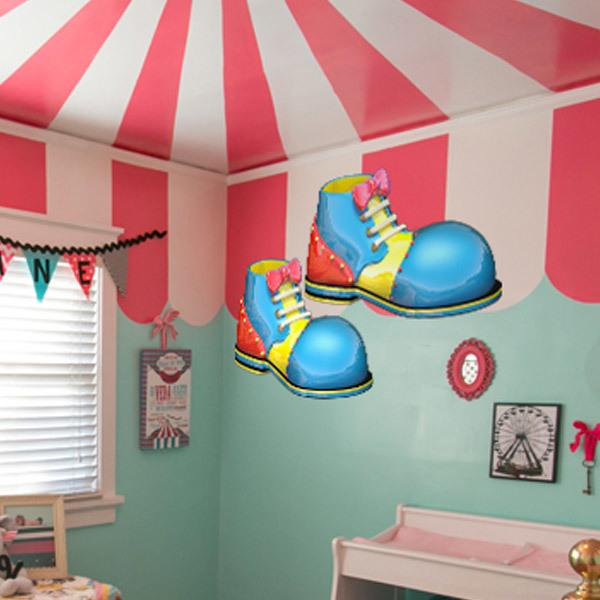 Kinderzimmer Wandtattoo: Clown-Schuhe